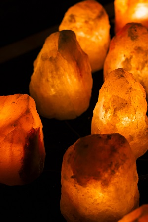 Himalayan Salt Lamp Benefits in Hindi