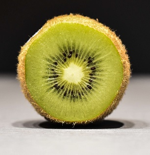 Kiwi Khane Ke Fayde, Kiwi Fruit Benefits in Hindi