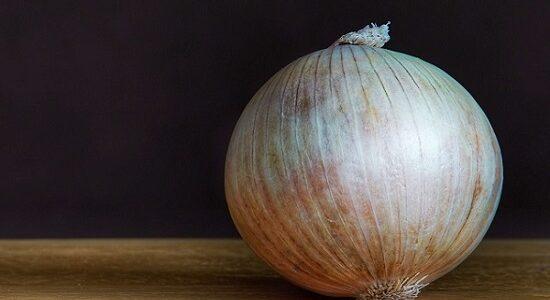 Onion Juice For Hair in Hindi, Balo Ke Liye Pyaz Ka Ras