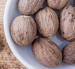 Nutmeg Benefits in Hindi