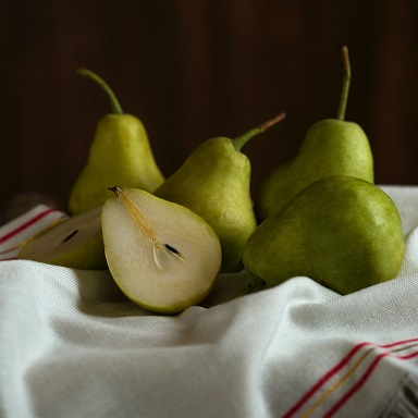 Pear Fruit Benefits in Hindi